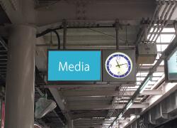 駅看板03